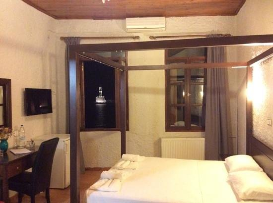 Hotel Porto Antico : chambre vue mer, joliment decorée