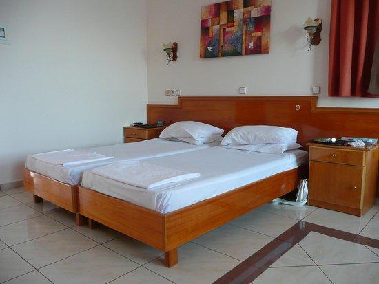 Livadia Beach Apartments: Our apartment