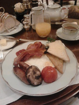 The Dorchester: wonderful full english