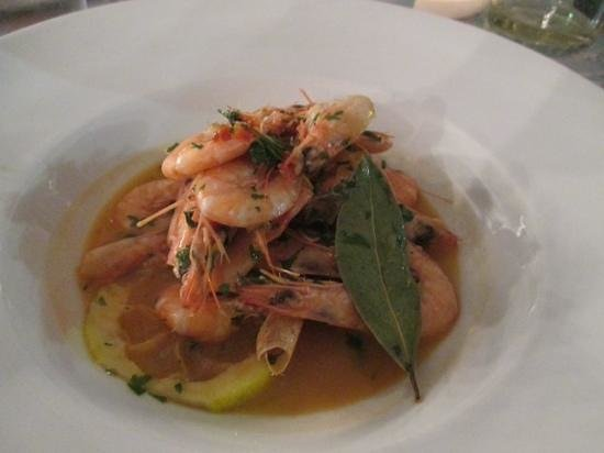Aterina: prawns with garlic, white wine and olive oil