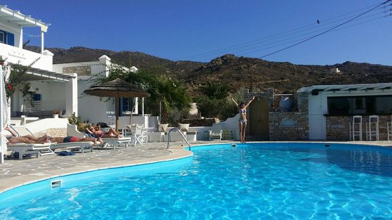 Island House Hotel Studios Apartments: Perfect pool!