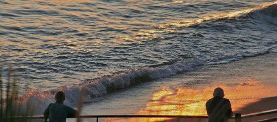 Apartamentos Playa Torrecilla : So close to the sea you can almost touch it!