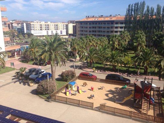 Aparthotel Costa Encantada: Vu de notre terrasse.