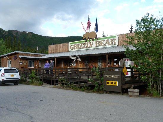 Denali Grizzly Bear Cabins & Campground: Anlage mit Hotel/Motelbetrieb, Cabins und Campground sowie Shop