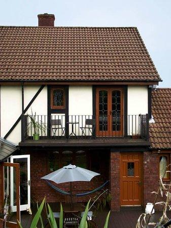 Ashgrove Villa B&B: Double En-Suite room & Private balcony