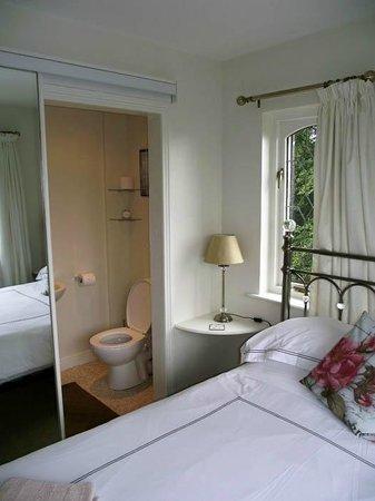 Ashgrove Villa B&B: Double Room En-Suite