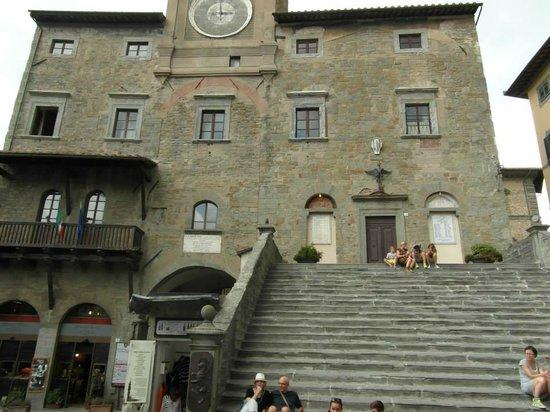 Villa San Crispolto: Cortona Town Hall