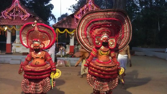 KK Heritage Homestay: Theyyam at a local temple