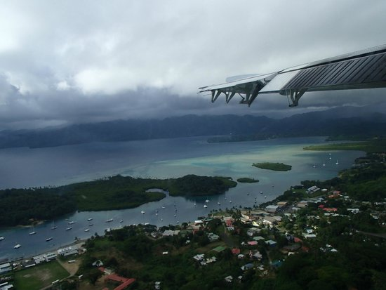 Jean-Michel Cousteau Resort : Flying into Savusavu - village below