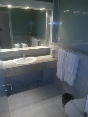 IFA Continental Hotel : bathroom