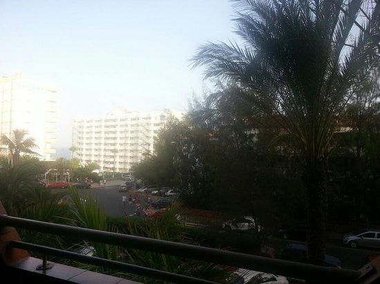 إيفا كونتيننتال هوتل: view from rooms on front of hotel