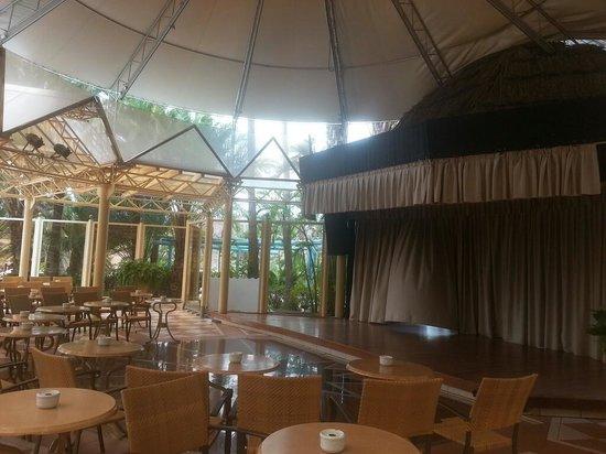 إيفا كونتيننتال هوتل: entertainment area