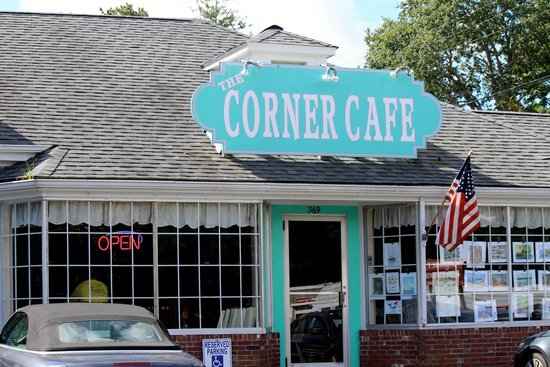Corner Cafe: Open for your delight.