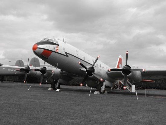 Newark Air Museum : Handley Page Hastings