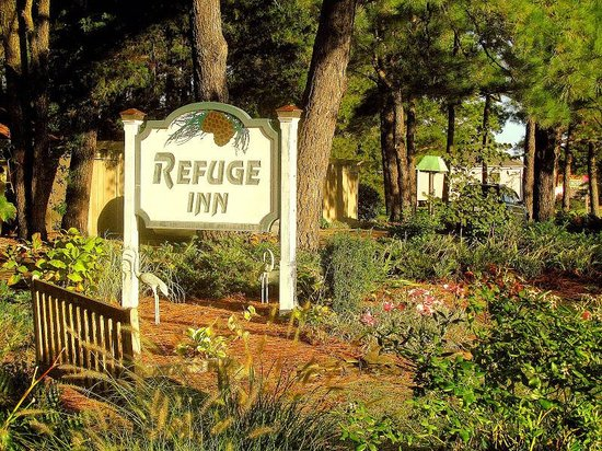 Refuge Inn: The main entrance