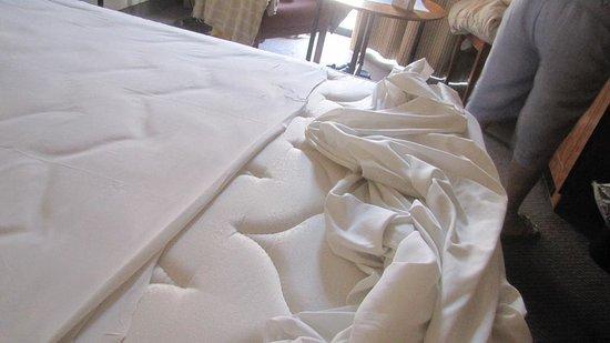 "Golden Tulip Vivaldi Hotel : lenzuola ""corte"""