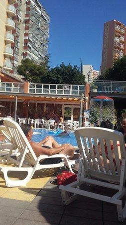 MedPlaya Hotel Regente: Pool side