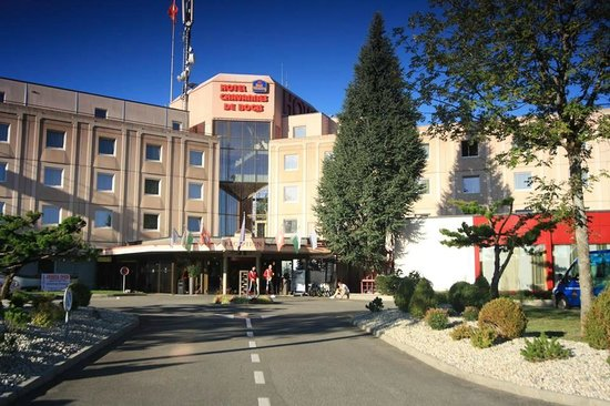 BEST WESTERN Chavannes De Bogis : Front of the Hotel