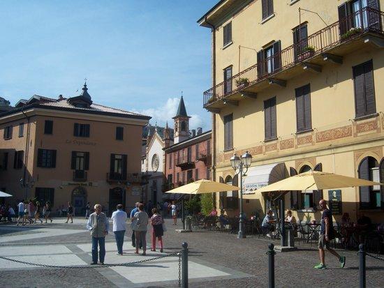 Menaggio: Piazzetta centrale