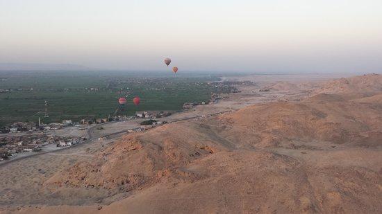 Sindbad Hot Air Balloons: Panoramic view