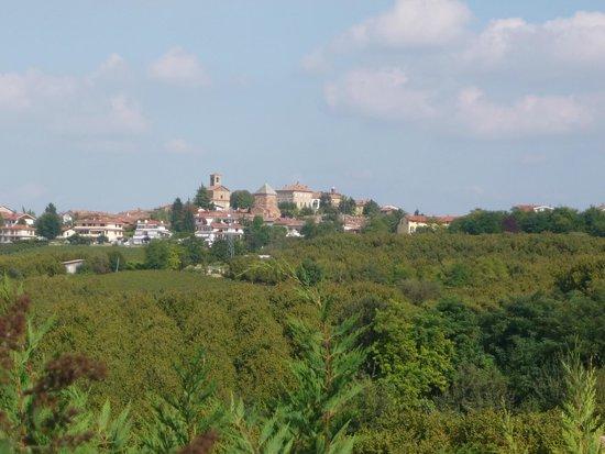 Vue de notre chambre au B.B Bricco dei Cogni (Piemont)
