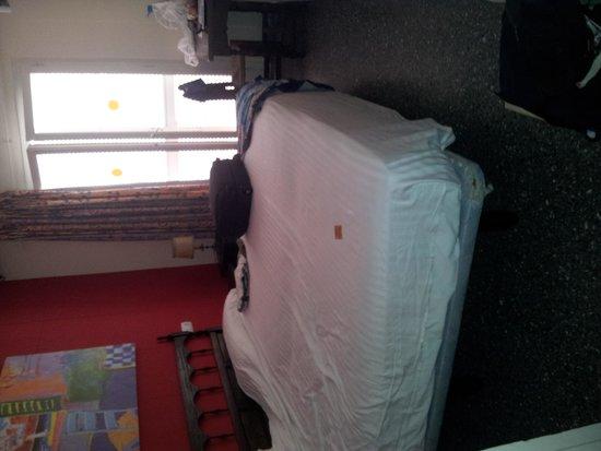 Hotel El Cid: bedroom