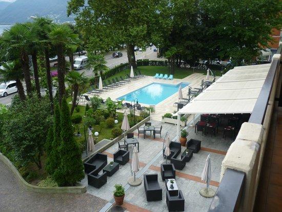 H4 Hotel Arcadia Locarno: UNE BELLE PISCINE