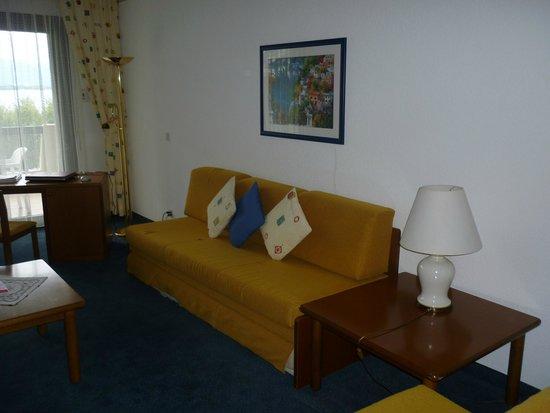 H4 Hotel Arcadia Locarno: VUE DU COIN SALON ( STUDIO )