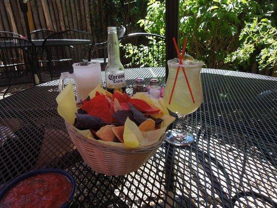 Orlando's New Mexican Cafe: Margarita time!