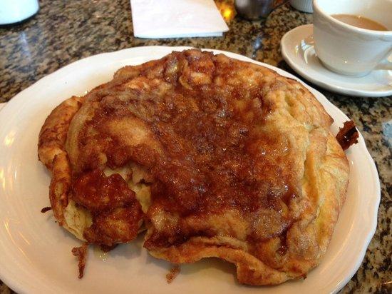 Richard Walker's Pancake House : Apple Pancake