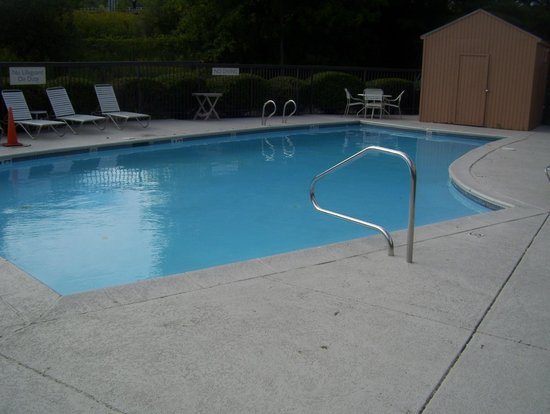 Fairfield Inn Burlington Williston: small pool