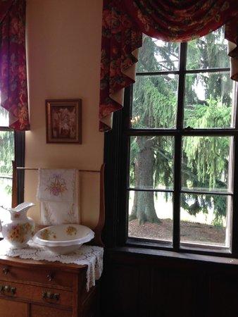 Baladerry Inn: Historic dining room area.
