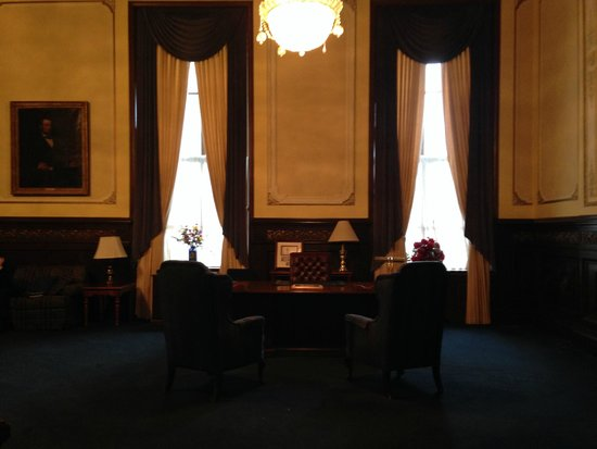 Illinois State Capitol: The Governor's Office