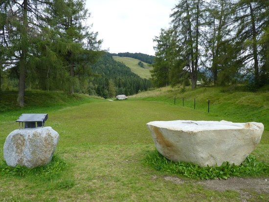Kreuzweg mit Steinkreis : Walking up the path towards the stones and past the open air altar.