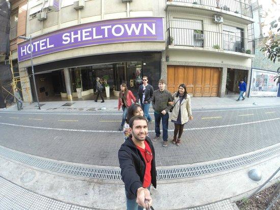 Hotel Sheltown : Frente do Hotel