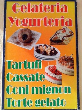 Nicotera, Italy: gelateria bar italia