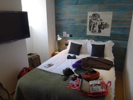Stay Central Hotel: room