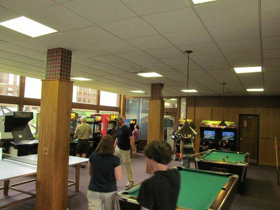 Exceptionnel Pipestem Resort State Park: Game Room