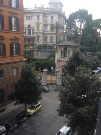 Hotel Ludovisi Palace: View from room