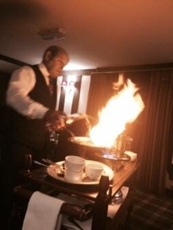 Nailcote Hall Hotel Restaurant: steak diane flambeyed at the table