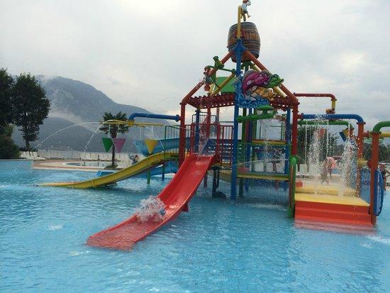 Camping Isolino Villaggio: Jeux aquatiques