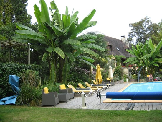 La Guérinière : The Pool