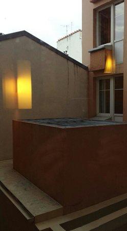 Ibis Paris Ornano Montmartre Nord 18ème : Vue de la cour depuis la chambre
