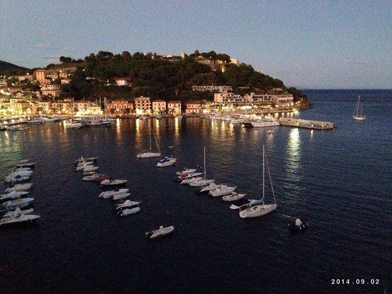 Hotel Plaza : Porto Azzurro dalla terrazza...