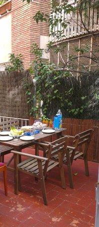Apartamentos Ganduxer: Ground floor private terrace
