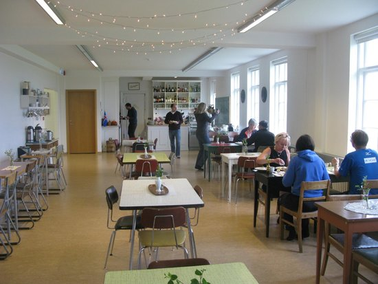 Heradsskolinn Boutique Hostel: Very calm breakfast