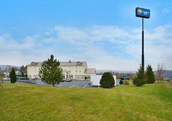 Comfort Inn Lebanon Valley/Ft. Indiantown Gap: Highway Sign