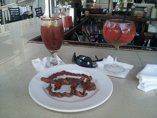 The Restaurant at La Te Da: Drinks and Caramelized Bacon!