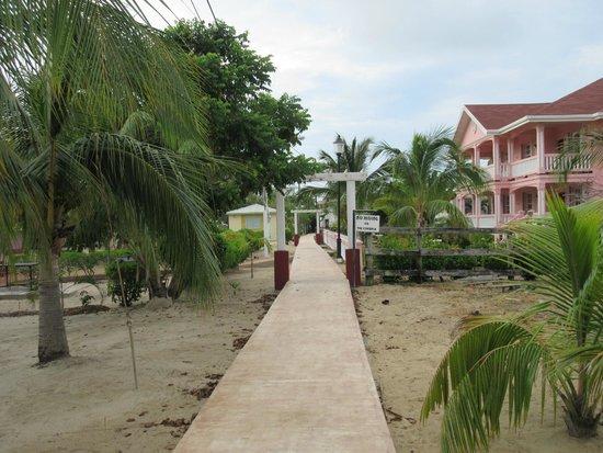 Miramar Apartments: Placencia Sidewalk