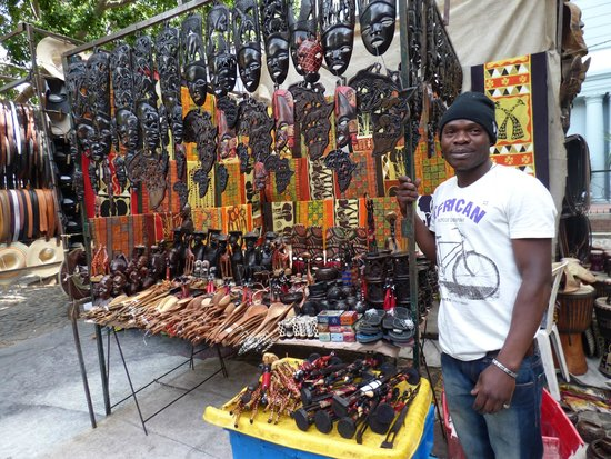 Greenmarket Square : african souvenirs